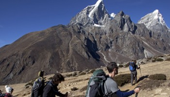 Everest 3 Passes Trek- Renjola, Gokyo & Chola